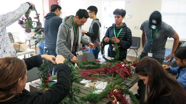 12-3-16-wreath_img_9066