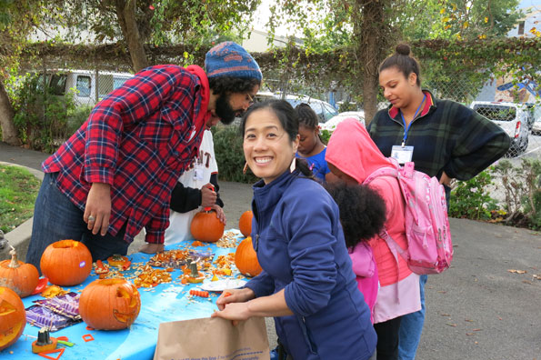 10.20.17-Pumpkins-at-Buchanan-Mall_IMG_2132