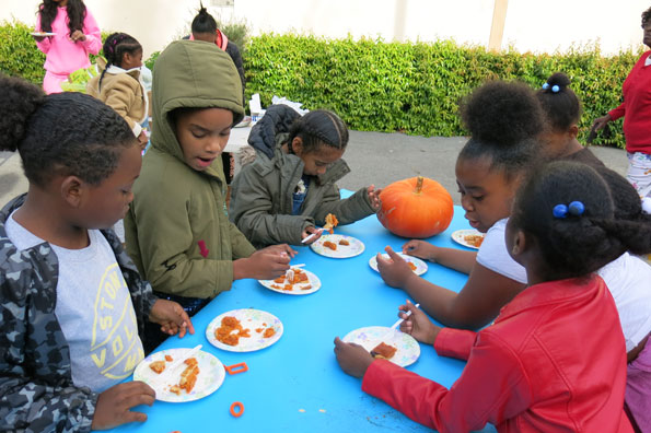 10.20.17-Pumpkins-at-Buchanan-Mall_IMG_2139