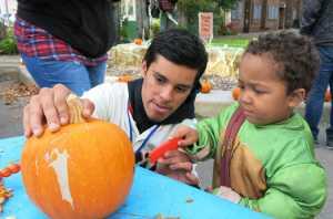 10.20.17-Pumpkins-at-Buchanan-Mall_IMG_2143