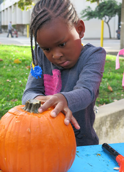 10.20.17-Pumpkins-at-Buchanan-Mall_IMG_2160