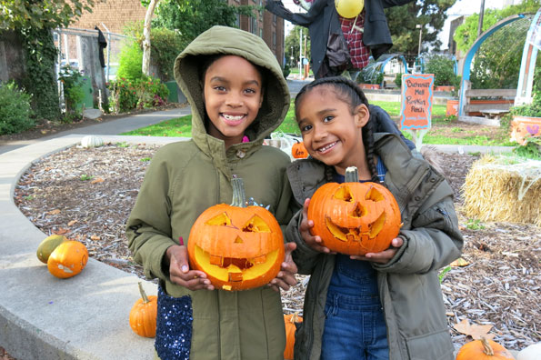 10.20.17-Pumpkins-at-Buchanan-Mall_IMG_2161